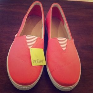 New with tags Hotter slip on coral sneakers